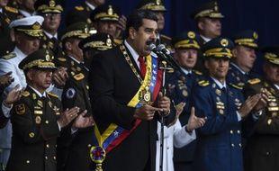 La cérémonie présidée par le président Nicolas Maduro a été interrompue après une série d'explosions audibles sur plusieurs vidéos.