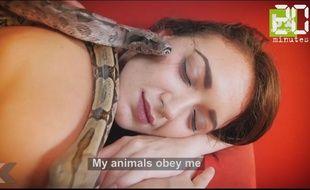 Elle se fait masser par des serpents - Le Rewind