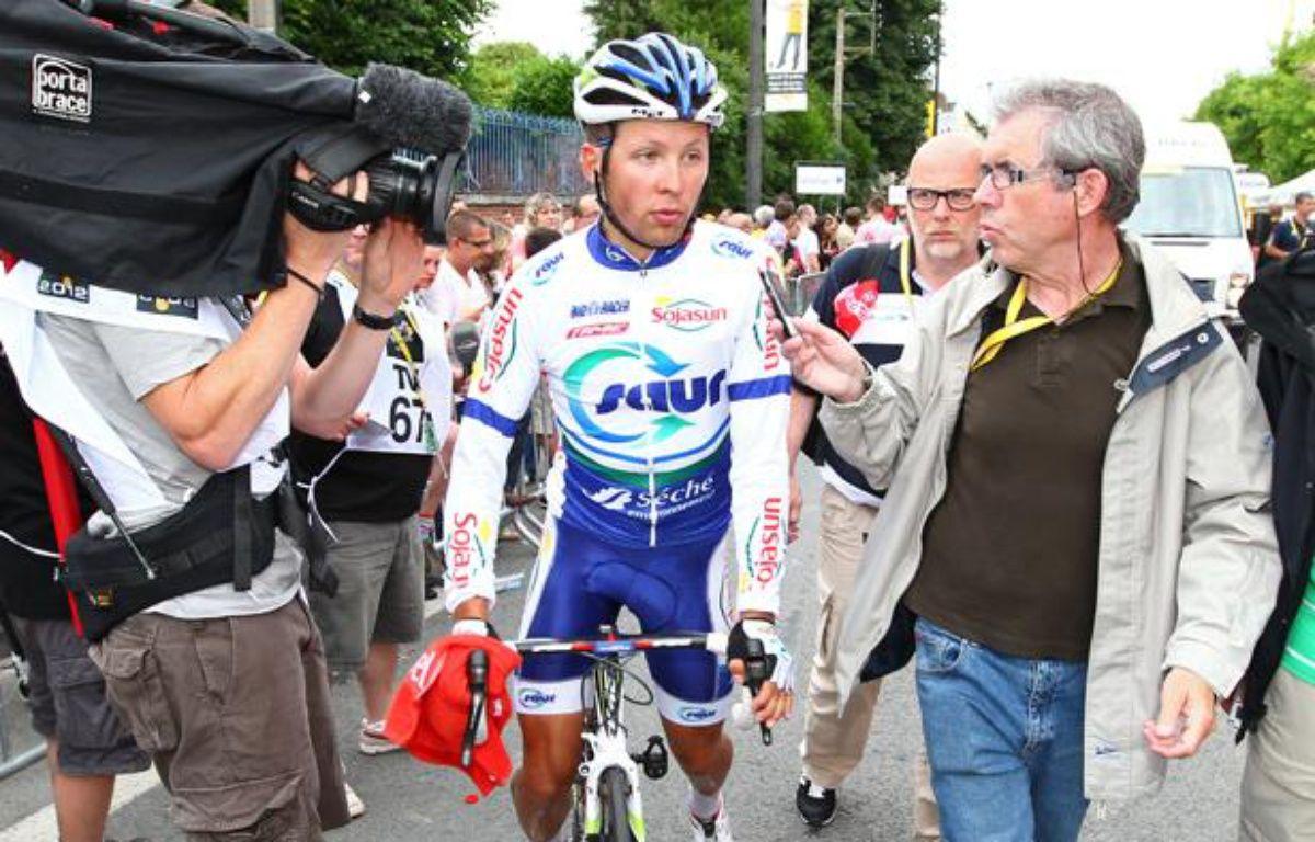 Le coureur Julien Simon à l'arrivée de la 5e étape du Tour de France, le 5 juillet 2012 à Saint-Quentin. – M.Libert / 20 Minutes