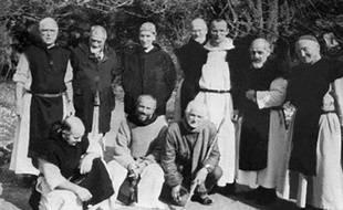 Photo non datée sur laquelles figurent les moines assassinés le 21 mai 1996 à Tibéhirine.