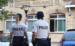 Deux agents de police (illustration)