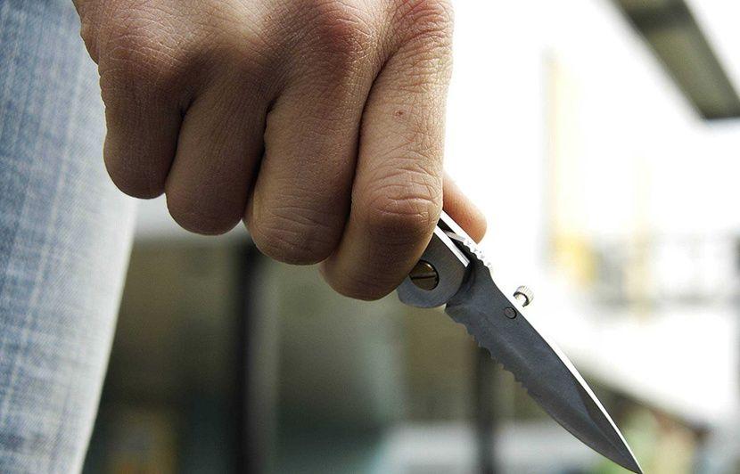 Lyon: Elle s'endort la fenêtre ouverte et se réveille avec un couteau sous le nez