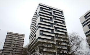 La résidence Edmond Michelet, propriété de Paris Habitat, en pleine rénovation en janvier 2012.