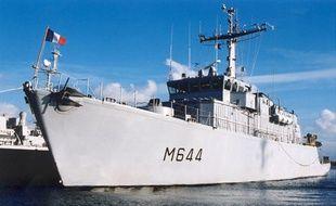 Le pégase est un chasseur de mines de la Marine Nationale, qui a permis de localiser la mine sous-marine, dans le chenal d'accès au port de la Rochelle.