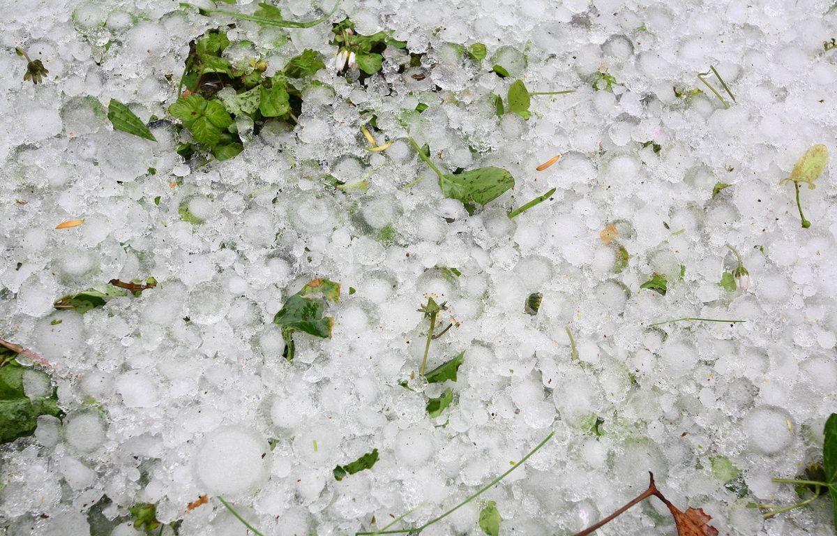 D'impressionnantes chutes de grêle se sont abattues sur Bordeaux 1200x768_illustration-de-grele-tombee-sur-une-ecole-de-toulouse-en-2008