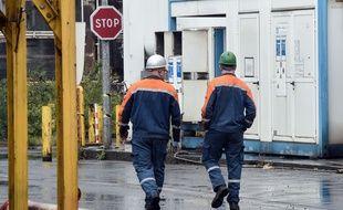 Deux ouvriers d'Ascoval, à Sainult-Saulve, dans le Nord.