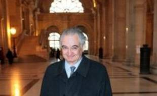Le procureur a requis mercredi la relaxe en faveur de Jacques Attali dans le procès de l'Angolagate, une affaire de vente d'armes de guerre en Angola dans les années 1990.