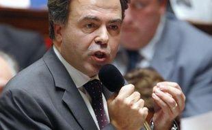 """Le ministre de l'Education nationale Luc Chatel avait estimé lundi que ces """"difficultés"""" ne remettaient cependant pas en cause le projet """"ambitieux et nécessaire"""" que constituent les ERS"""