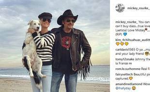 Mickey Rourke a publié une photo de Johnny et Laeticia sur Instagram.