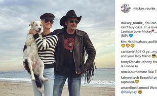 Mickey Rourke a publié une photo de Johnny et Laeticia sur Instagram.