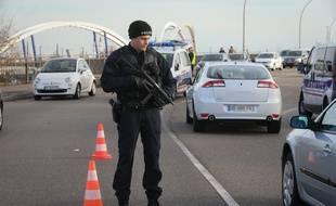 Contrôles de police sur le Pont de l'Europe. Strasbourg le 14 novembre 2015.