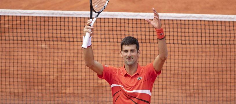 Novak Djokovic, facile vainqueur d'Alexander Zverev en quart de finale de Roland-Garros, le 6 juin 2019.