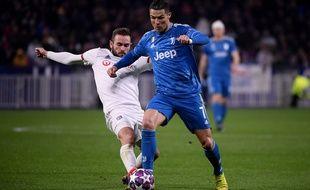 Lucas Tousart face à , Cristiano Ronaldo