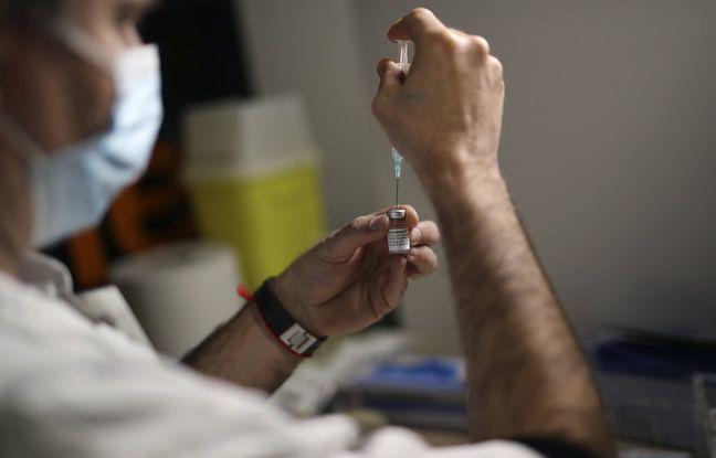 648x415 soignant prepare dose vaccin contre covid marseille