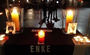 L'Allemagne est sous le choc après le suicide du gardien de but Robert Enke.