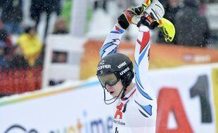 Le jeune skieur issu du massif des Vosges, Clément Noël, a remporté ses deux premières victoires en Coupe du monde de slalom en ce mois de janvier.