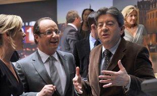 """François Hollande a relativisé samedi la bonne dynamique actuelle de Jean-Luc Mélenchon dans la campagne présidentielle, en assurant """"respecter"""" son rival du Front de gauche, mais se présentant comme le seul candidat capable de """"faire gagner la gauche""""."""
