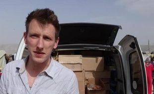 Photo fournie le 4 octobre 2014 par la famille de Peter Kassig le montrant en 2012 près de la frontière syrienne
