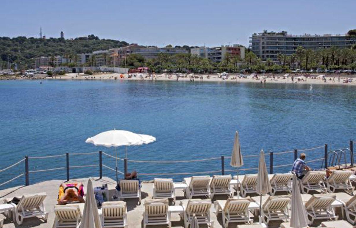 Emploi, tourisme, retraite au soleil, la région d'Antibes (Alpes-maritimes) est l'une des plus attractives de France. – ANGOT/SIPA