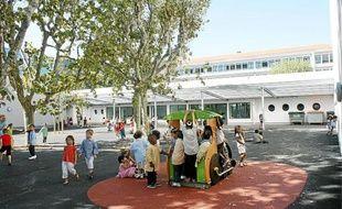 En 2011, Nice a mené 248 chantiers dans 129 écoles pour un investissement de 15,8 millions d'euros. A Nice Flore, l'école élémentaire sera elle aussi bientôt rénovée.