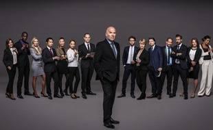 Bruno Bonell entouré des 14 candidats de «The Apprentice»