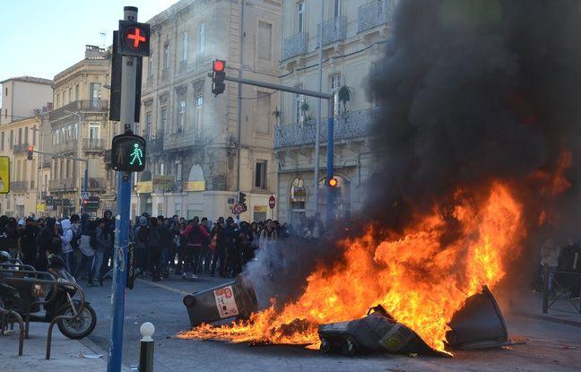 Un feu allumé devant le lycée Clémenceau, à Montpellier.