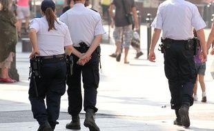 Marseille le 11 septembre 2012 - Des policiers patrouillent sur la canebière