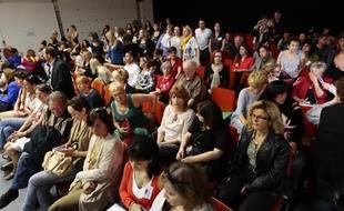 Des dizaines de plaignantes lors du procès de Jean-Claude Mas, le  fondateur de l'entreprise de prothèse PIP, à Marseille, en avril 2013.