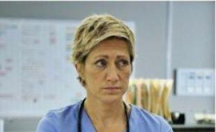 Edie Falco arrive en « Nurse Jackie ».