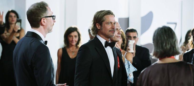 Au cinéma, Brad Pitt joue un rôle devant et derrière la caméra.