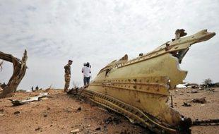 Un débris de la carlingue de l'avion d'Air Algérie, le 26  juillet 2014 dans la région de Gossi au Mali