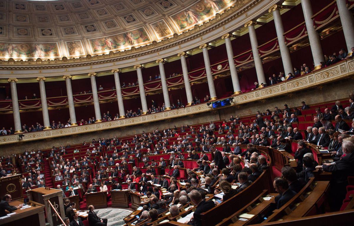 Illustration de l'Assemblée nationale et des députés lors de la séance de questions au gouvernement, le 2 décembre 2016 à Paris. – CHAMUSSY/SIPA
