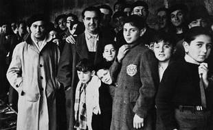 Des familles juives à Drancy lors de la rafle du Vel d'Hiv en 1942