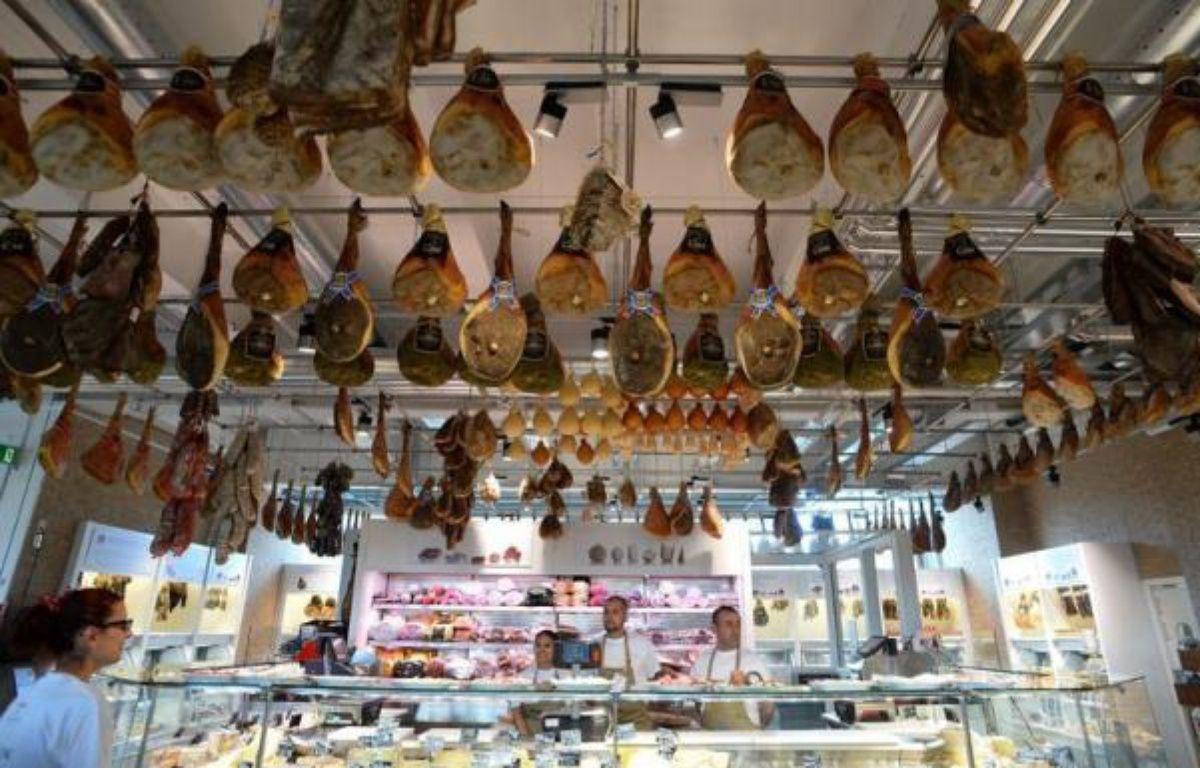 Eataly, concept italien original, à la fois supermarché pour gastronomes, lieu de production (mozzarella, pain ou bière) et centre culturel (cours de cuisine, expositions), ouvre ses portes le 21 juin à Rome, après avoir conquis Turin, New York et Tokyo. – Alberto Pizzoli afp.com