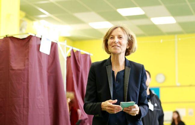 La ministre des Affaires européennes Marielle de Sarnez, candidate dans la 11e circonscription de Paris a voté le dimanche 18 juin peu après 13h.