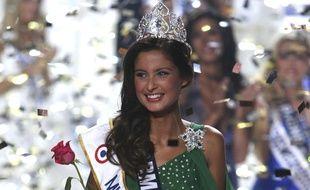 Malika Menard est élue Miss France 2010, le 5 décembre 2009.