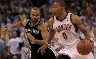 Duel de meneur entre Tony Parker et Russel Westbrook, le 7 juin 2012, à Oklahoma.