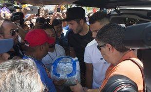 André-Pierre Gignac a participé à une collecte pour aider les victimes du séisme qui a frappé le sud du Mexique, le 10 septembre 2017.