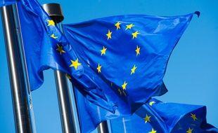 Le drapeau européen est le fruit d'un compromis entre Etat et non le travail d'un seul homme.