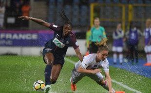 Coupe de France féminine: Paris bat Lyon à l'issue d'une finale interrompue par l'orage.