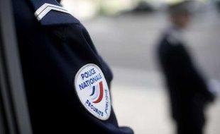 Un policier, à Nantes, le 4 avril 2011.