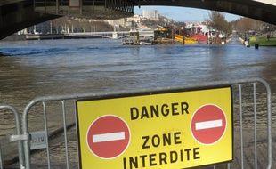 Le Rhône en crue.