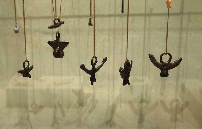 Figurines rituelles phalliques exposées au musée de la préhistoire de Valence pour l'exposition «Sexe à l'époque romaine»