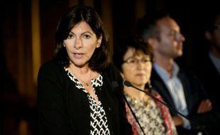 La maire de Paris Anne Hidalgo lors d'une conférence de presse sur la création d'un camp humanitaire, le 31 mai 2016 à Paris