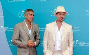Les acteurs et amis George Clooney et Brad Pitt