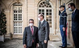 Le président de la Polynésie française, Edouard Fritch (à gauche), lors de sa rencontre avec Jean Castex, à Matignon le 3 Octobre 2020.