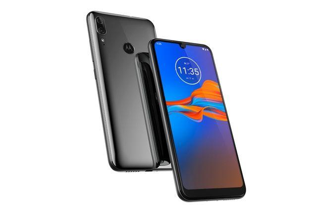 Le Motorola e6 Plus est un basique vendu une centaine d'euros.