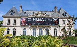 La fondation Goodplanet de Yann Arthus-Bertrand ouvre au public un lieu dédié à l'écologie et l'humanisme au domaine de Longchamp, dont l'ancienne demeure du Baron Haussmann.