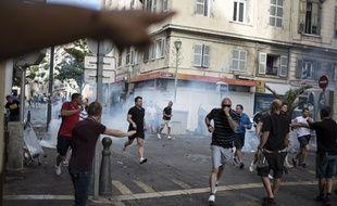 Les hooligans russes ont défié les Anglais à Marseille.