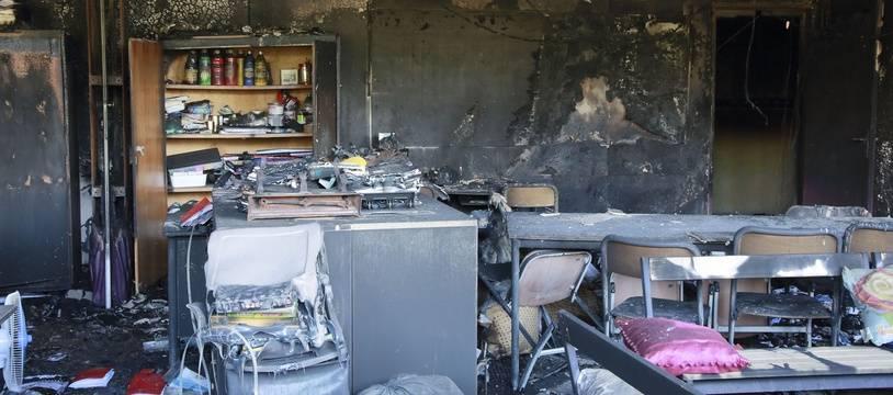 L'école des Tamaris, incendiée à Béziers